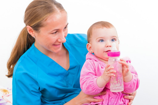 Why Is It Best to Hire an Agency When Looking for Nannies?
